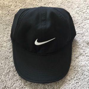Black nike women's hat
